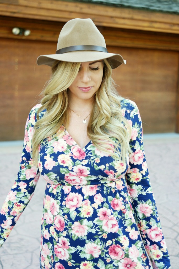 long sleeve floral wrap dress, floral, wrap dress, pink blush maternity, nursing dress, bow heels, bow pumps, fedora